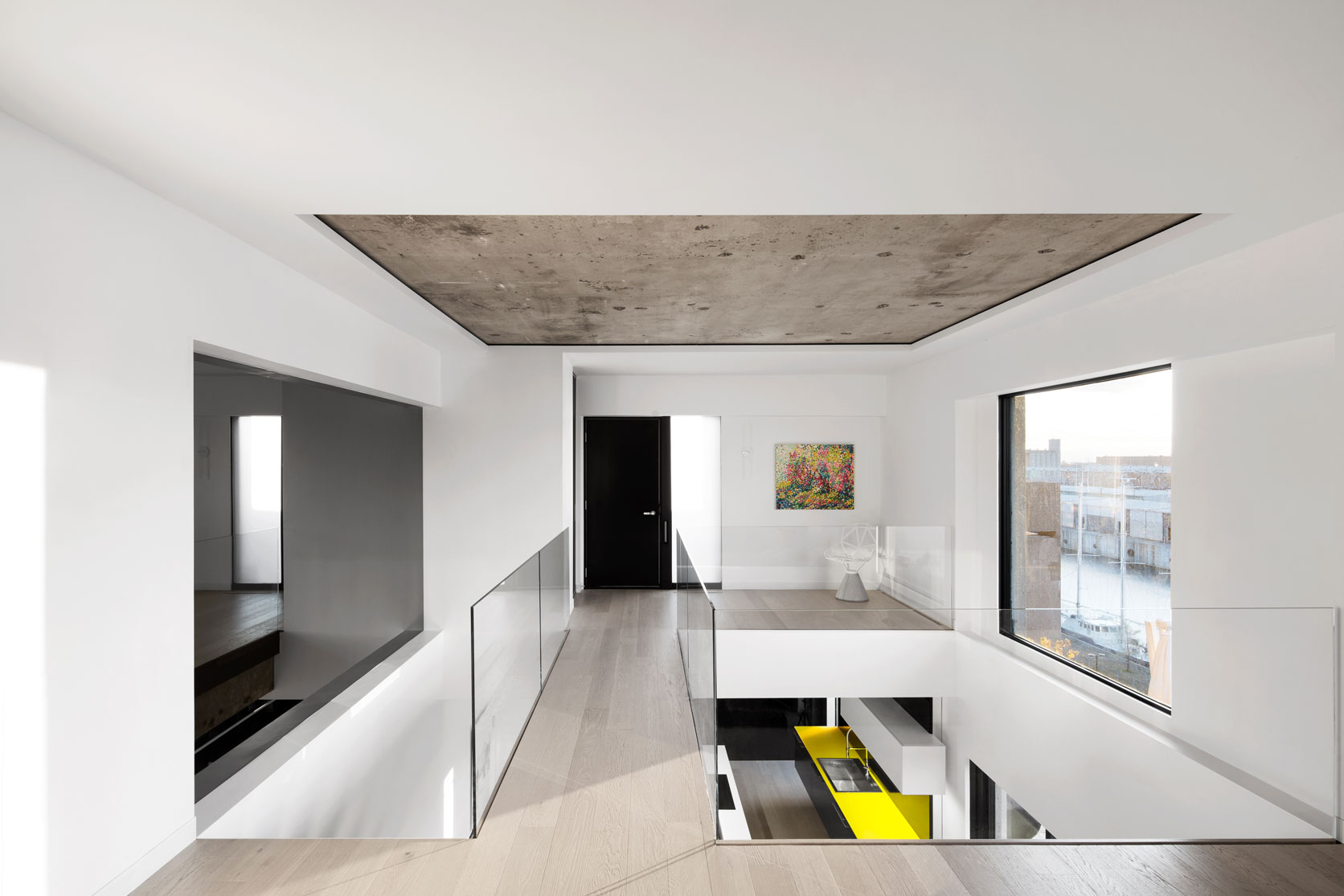 Take a look inside habitat 67 s newly renovated penthouse for Habitat 67 interieur